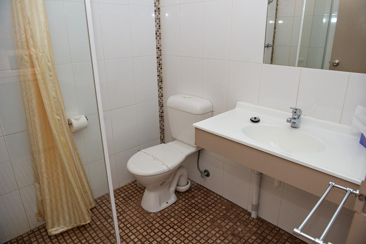 Motel Family Room Maryborough 1