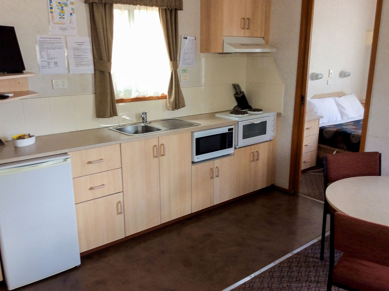 Kitchenette 4 berth villa