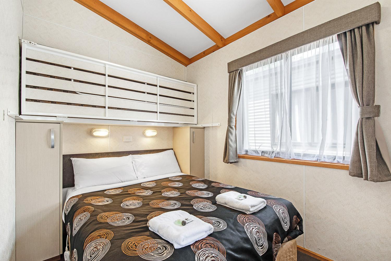DELUX VILLA - 5 BERTH cabin at Golden Country Motel Maryborough