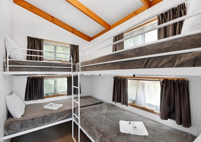 DELUX VILLA - 6 BERTH cabin at Golden Country Motel Maryborough