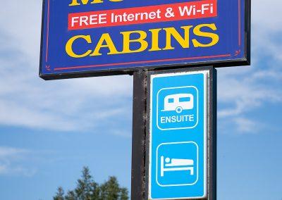 Golden Country Motel Maryborough Signage