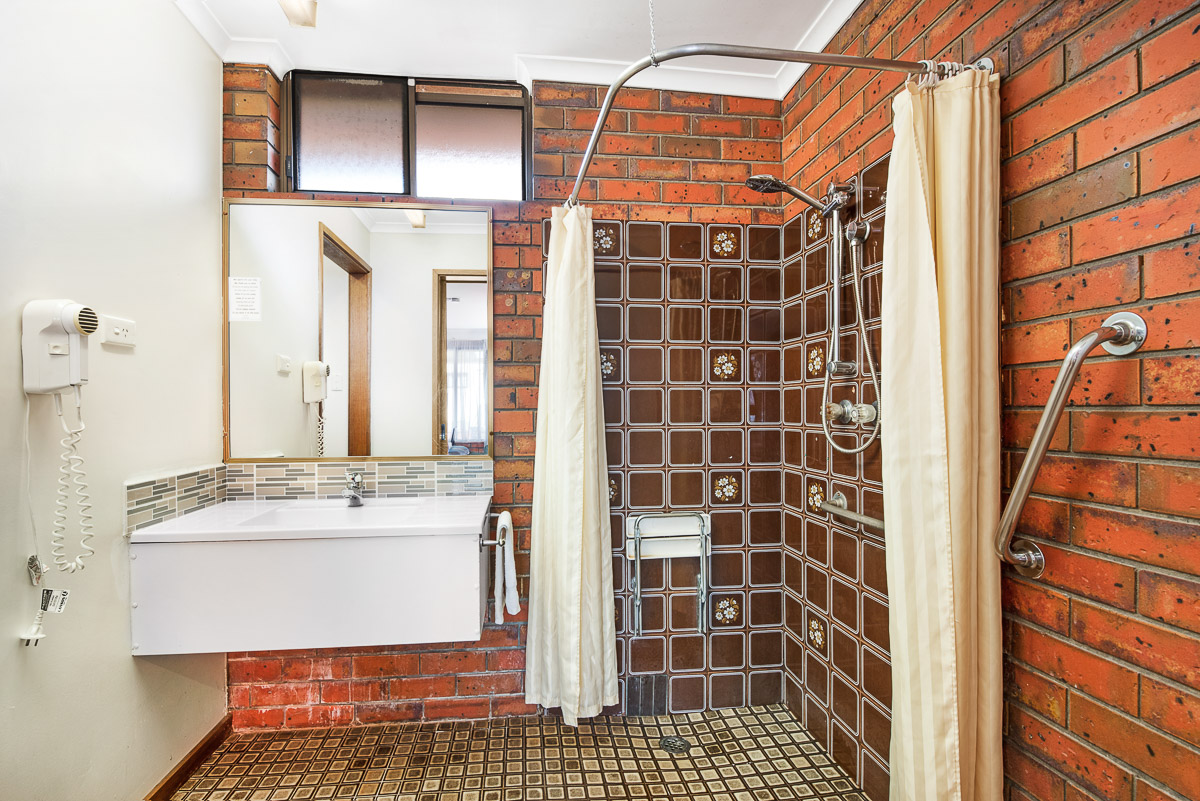 MOTEL DISABLED ACCESS at Golden Country Maryborough