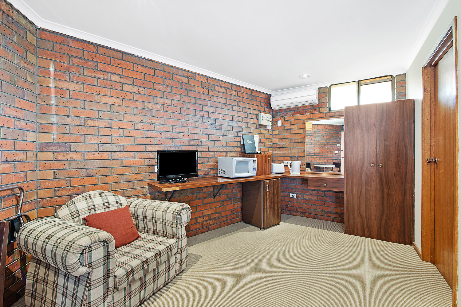 MOTEL FAMILY ROOM at Golden Country Motel Maryborough